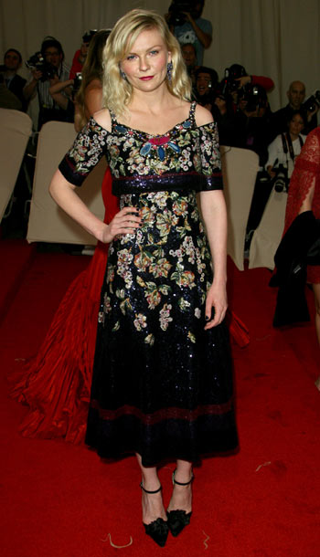 Kirsten Dunst | Didn't think it was possible to make Chanel dumpy? Meet Kirsten Dunst. D