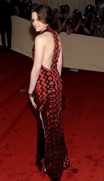 Kristen Stewart | While the Twilight star's Proenza Schouler gown could have used a hem job, the bold print stood out in a night filled with neutrals. B
