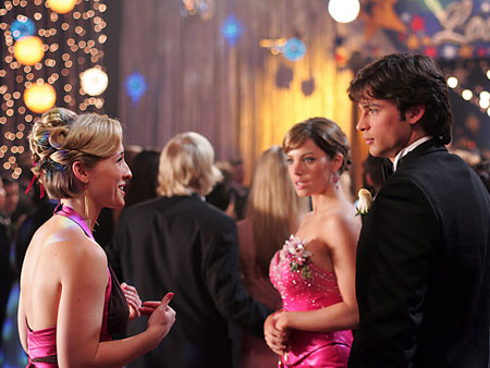 Smallville, Tom Welling | Body-jumping spirits of would-be prom queens always try to ruin the fun for everyone. Thankfully, Clark — and a lot of Lifehouse music — wouldn't…