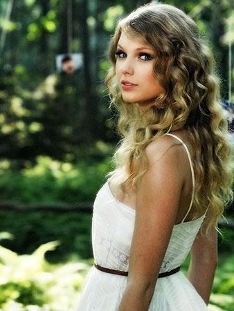 Taylor Swift | Nashville Taylor Swift (pictured), Lady Antebellum, and Miranda Lambert June 9-12
