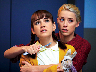 Amber Heard | DEMENTED TEENAGERS Amber Heard (holding the knife), Laura-Leigh in The Ward