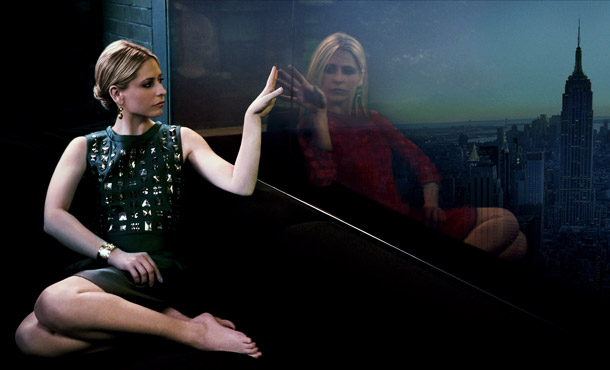Sarah Michelle Gellar | MUST SEE: 1:45-2:45 PM Ringer . Sarah Michelle Gellar's return to TV with The CW's Ringer , a twisty neo-noir about twin sisters with secrets,…