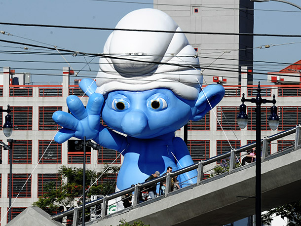 Smurfs aims to make a big impression on Preview Night crowds at Comic-Con 2011