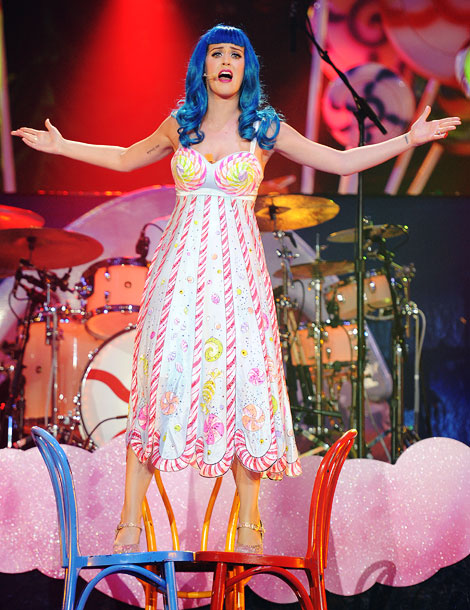 Katy Perry   Katy belting in Candyland stripes and swirls.