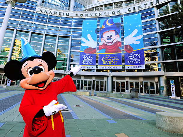 Mickey Mouse beats the crowds to the Anaheim Convention Center for D23