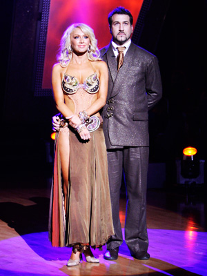 Kym Johnson with Joey Fatone in Dancing With the Stars