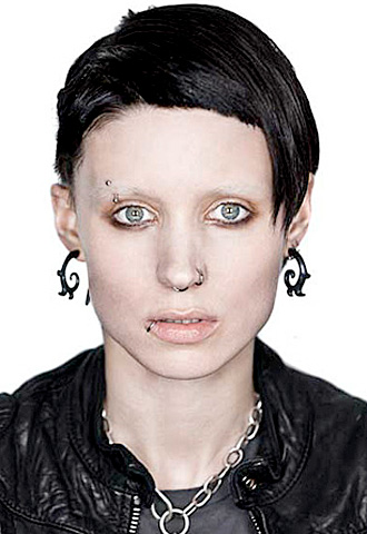The Girl With The Dragon Tattoo | Mara went through a major makeover to play troubled computer hacker Salander: cutting and dyeing her hair, bleaching her eyebrows, getting multiple painful piercings, and…