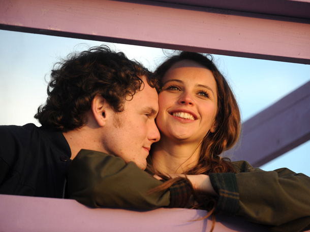 Starring Anton Yelchin, Felicity Jones, Jennifer Lawrence Directed by Drake Doremus, PG-13 There's a voyeuristic draw to director/co-writer Drake Doremus' Like Crazy , a love…