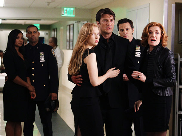 Tamala Jones, Jon Huertas, Molly Quinn, Nathan Fillion, Seamus Dever, and Susan Sullivan
