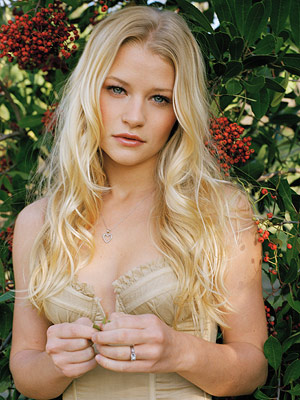 Emilie de Ravin | We wouldn't mind being stranded on a desert island with Lost 's de Ravin, much like her character Claire's fellow passengers on Oceanic Flight 815.…