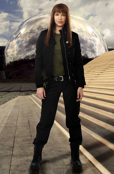Fringe | While Over-There Olivia may not have won over Fringe fans yet, we have to admit that no one rocks a leather jacket — or full…