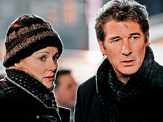 PSYCHIC VISIONS Laura Linney and Richard Gere in The Mothman Prophecies