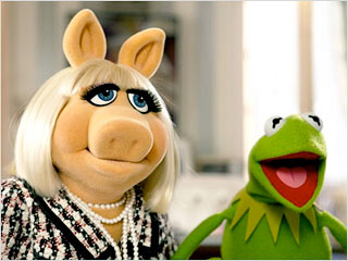 REUNITED AGAIN Miss Piggy and Kermit the Frog in The Muppets