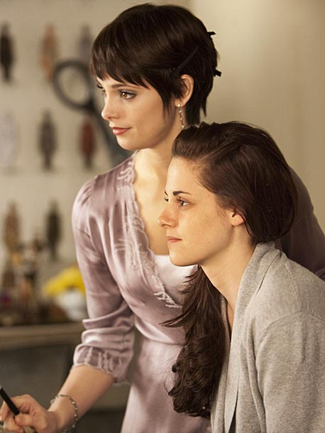 Ashley Greene, Kristen Stewart, ...