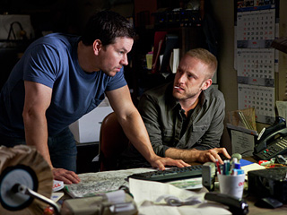 RIGHT-HAND MAN Mark Wahlberg and Ben Foster in Contraband