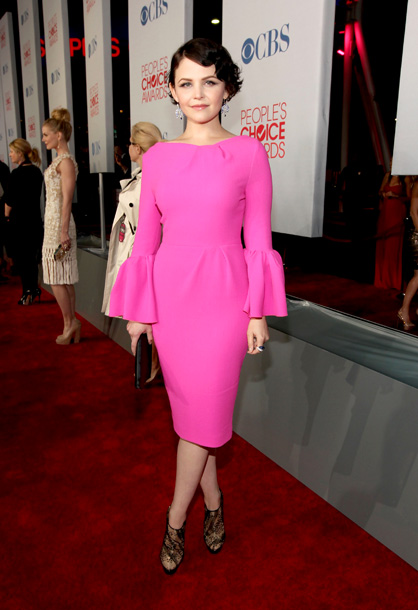 Ginnifer Goodwin, People's Choice Awards | We're a fan of the bright pink, but overall this Roksanda Ilincic piece is just too much dress, and too little Ginnifer. B