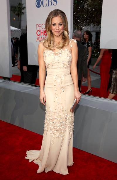 Kaley Cuoco, People's Choice Awards | Though we liked the nude Badgley Mischka gown host Kelly Cuoco wore on the red carpet, we much preferred the bolder red number she changed…