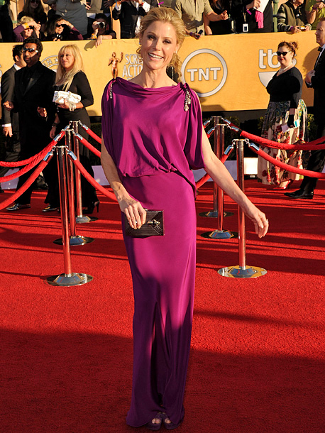 Julie Bowen, Screen Actors Guild Awards 2012 | This draped Temperley gown isn't the most thrilling dress to have walked the red carpet, but the gorgeous magenta hue kept it from descending into…
