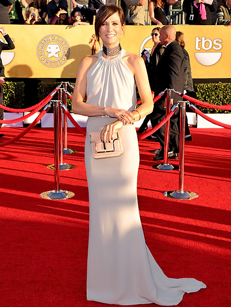 Kristen Wiig, Screen Actors Guild Awards 2012 | Who knew one little accessory could be such a big mistake? Kristen's perfectly understated nude Balenciaga gown was completely overshadowed by the distracting studded choker…
