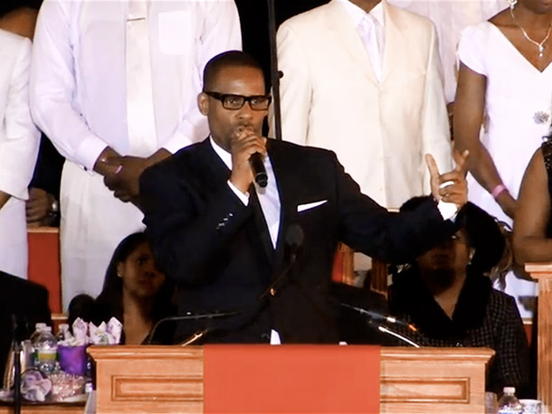 R. Kelly performed ''I Look to You,'' the hit song he wrote for Houston on her album with the same name
