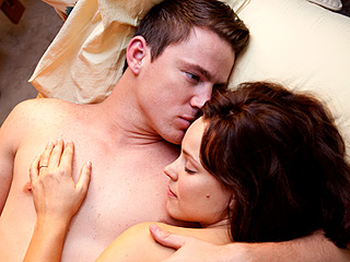 V-DAY SPECIAL Channing Tatum and Rachel McAdams in The Vow