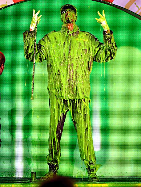 Snoop Dogg, Kids' Choice Awards | After dropping in on Big Time Rush's performance, the D-O-double-G had to get in on some slime action too.