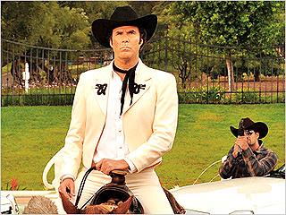 ¿QUÉ PASÓ? Will Ferrell horses around in Casa de Mi Padre