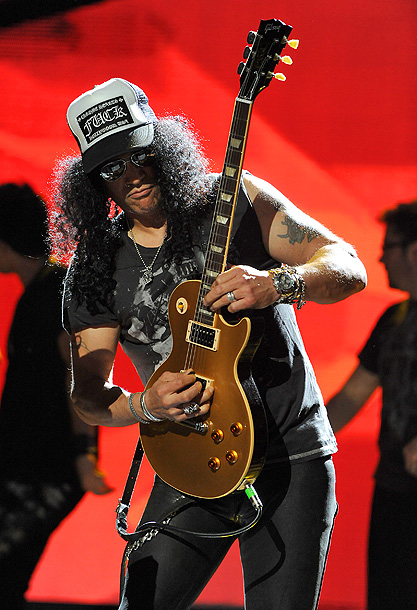 Rock star Slash not only mentored the Idol finalists but he rehearsed with them at the Roxy in Los Angeles. And no, the ex-Guns N'…