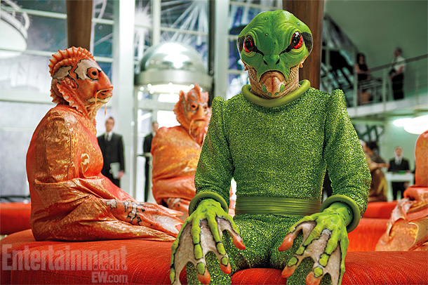 Men in Black   Characters that makeup artist Rick Baker refers to as ''the fish guy'' and ''the frog guy'' relax between takes.