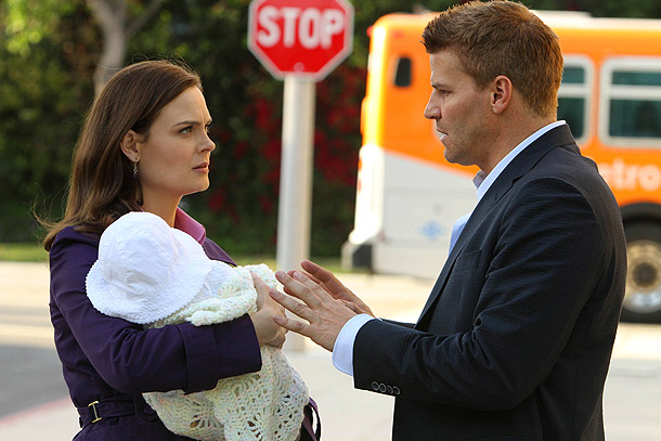 Bones, David Boreanaz, ... | What the network says: Ryan O'Neal guest stars. Evil tech genius Christopher Pelant (guest star Andrew Leeds), a suspect in a previous case Brennan and…