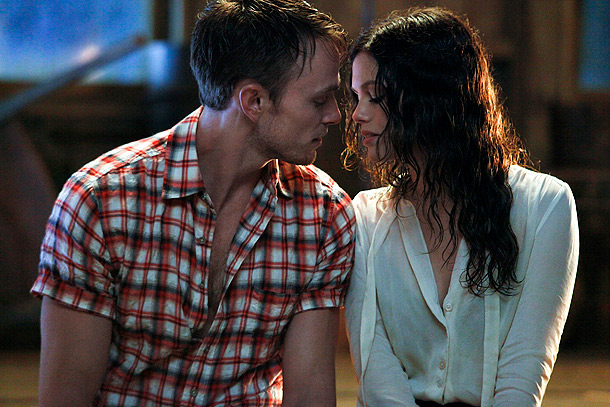 Rachel Bilson, Hart of Dixie | What the network says: With a storm about to hit Bluebell, George (Scott Porter) and Lemon (Jaime King) prepare for their wedding day. Meanwhile, taking…