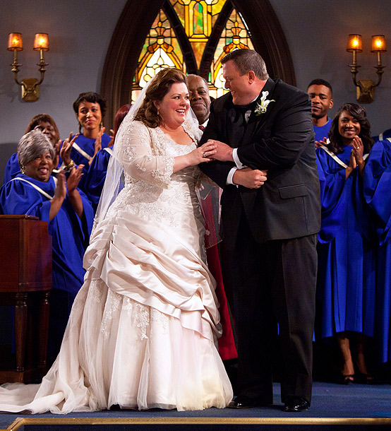 Billy Gardell, Melissa McCarthy, ... | What the network says: Will Mike (Billy Gardell) and Molly (Melissa McCarthy) finally make it down the aisle? What we say: There's a wedding, this…