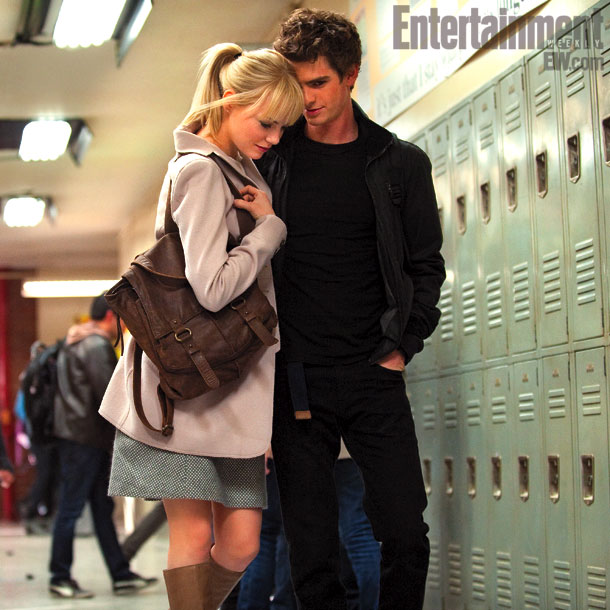 EMMA STONE AND ANDREW GARFIELD (AS GWEN STACY AND PETER PARKER)