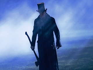 VAMPIRE KILLER Benjamin Walker in Abraham Lincoln: Vampire Hunter