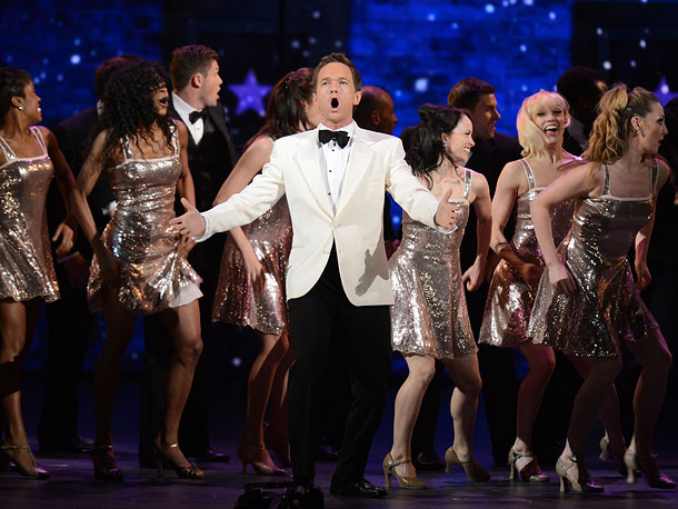 ''If I had time,'' the dapper host crooned, ''I'd say how Once won once, won twice, then Once won more, in fact it pretty much…