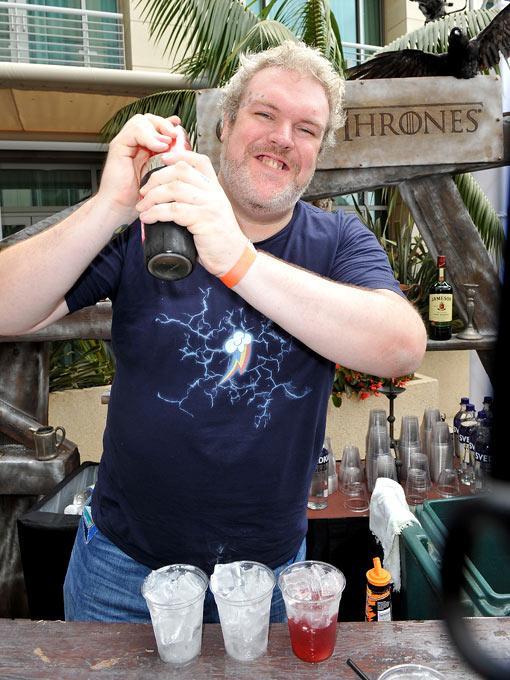 Hodor Mixes Drinks