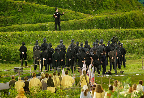 Branagh is probably the most popular Shakespeare performer of the modern age. So it was a kick to see him ascend the holy hilltop and…