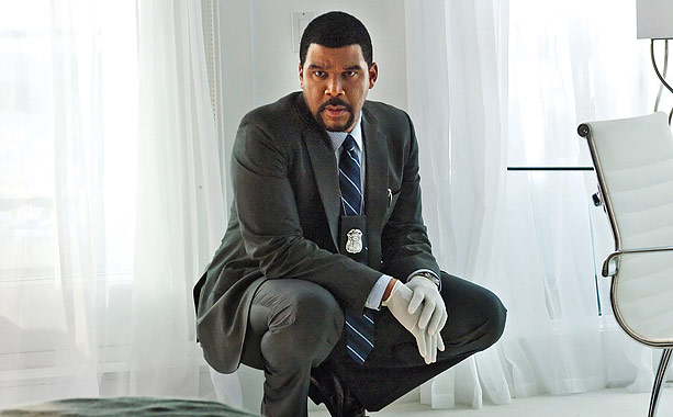 Picture Tyler Perry as a running, jumping, diving, fighting action hero. The cross-dressing comedian/entrepreneur leaves the muumuus at home to play the detective-psychologist at the…