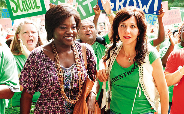 While it professes to be ''inspired by actual events,'' Won't Back Down — the tale of two women (Maggie Gyllenhaal and Viola Davis) who try…