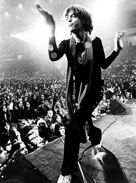 Mick Jagger, The Rolling Stones, ... | The fly-on-the-wall style of directors Albert and David Maysles and Charlotte Zwerin captures Mick Jagger's raw sexuality — and the violence from the notorious Altamont…