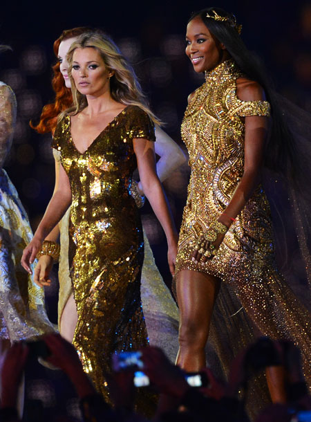 Kate Moss, Naomi Campbell, ...   BEST: During a tribute to Britain's trendsetters (Burberry! Victoria Beckham!), mega-sized pictures of supermodels including Naomi Campbell and Kate Moss were driven in on flatbeds,…