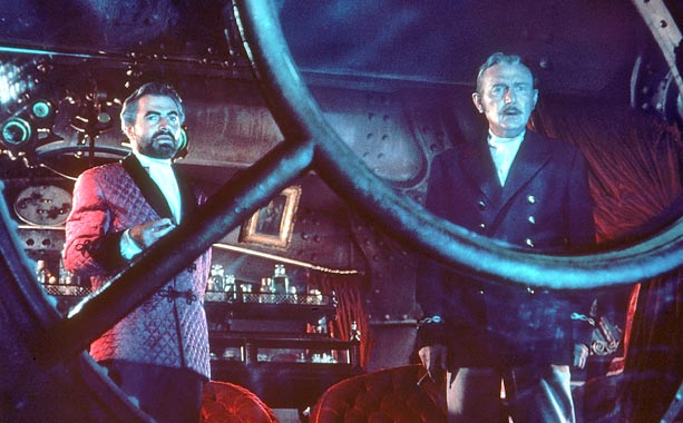 20,000 Leagues Under the Sea | With a cast led by Kirk Douglas, James Mason, Peter Lorre, and Paul Lukas, 20,000 Leagues Under the Sea probably would have been good no…