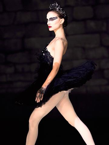 Black Swan, Natalie Portman | Designer: Rodarte Natalie Portman called on friends, sisters Kate and Laura Mulleavy of the fashion house Rodarte, to design ballet costumes for the psychological dance…
