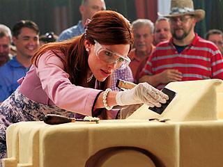 SLIPPERY SLOPE Jennifer Garner has a talent for carving in Butter