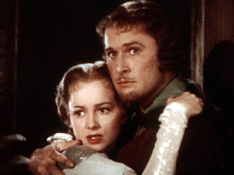 The perfect old-fashioned lighthearted adventure, with swordplay that still sparkles. As Robin the noble bandit, Errol Flynn seems to be having the time of his…