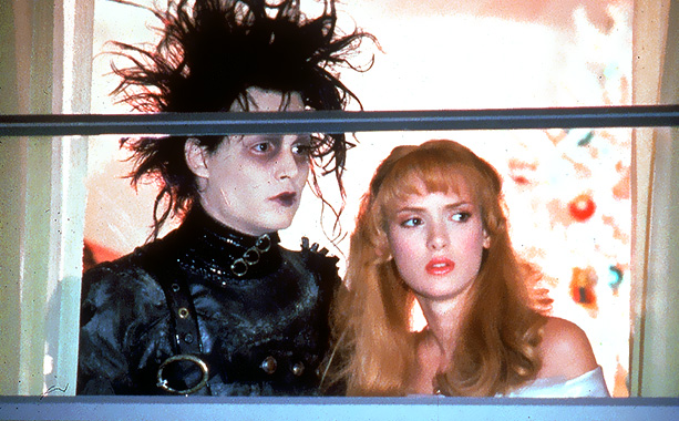 Edward Scissorhands | Played by: Johnny Depp and Winona Ryder Long before Edward Cullen and Bella Swan first gazed longingly at each other, a beautiful teenage girl fell…