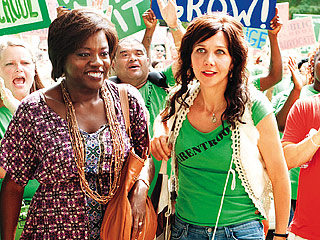ACTIVIST DUO Viola Davis and Maggie Gyllenhaal attempt to reform the public eduction system in Won't Back Down