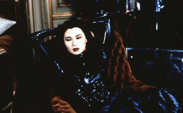 In French director Olivier Assayas' 1996 swoony film, statuesque Hong Kong actress Maggie Cheung plays herself as the star of a remake of Louis Feuillade's…