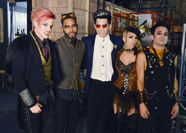 Lambert (center) and band members Tommy Ratliff, Brian London, Ashley Dzerigian, and Isaac Carpenter