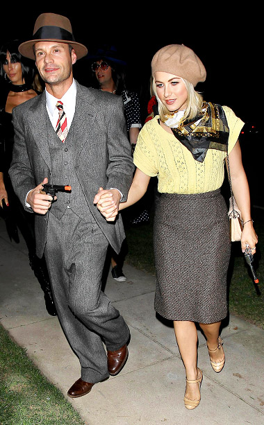 Ryan Seacrest and Julianne Hough as Bonnie and Clyde